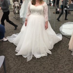 Oleg Cassini ivory wedding gown